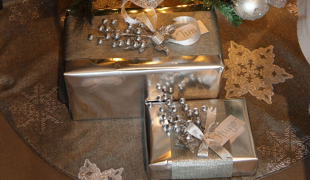 Make an Impact with Beautifully Presented Christmas Gifts