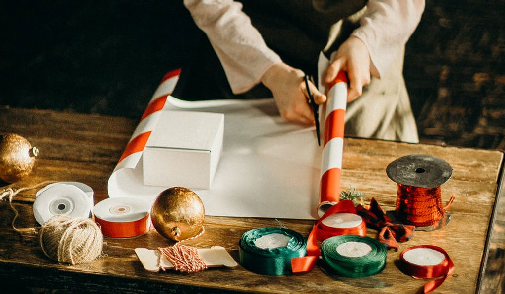 Thoughtful Christmas Gift Ideas for Under $25