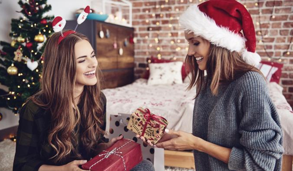 Christmas Hostess Gifts that Show You Care