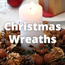 Decoraiting Inspiration CHristmas Wreaths