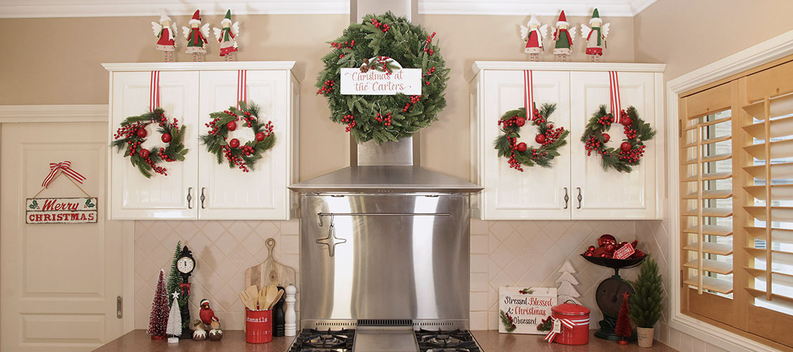 Christmas Kitchen Red Berry Wreaths
