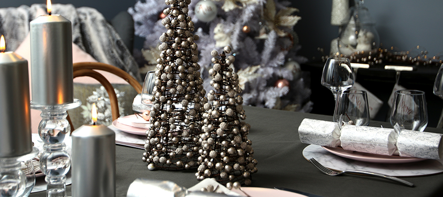 pastels and pearls christmas table