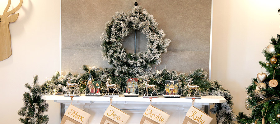 wreath on mantle