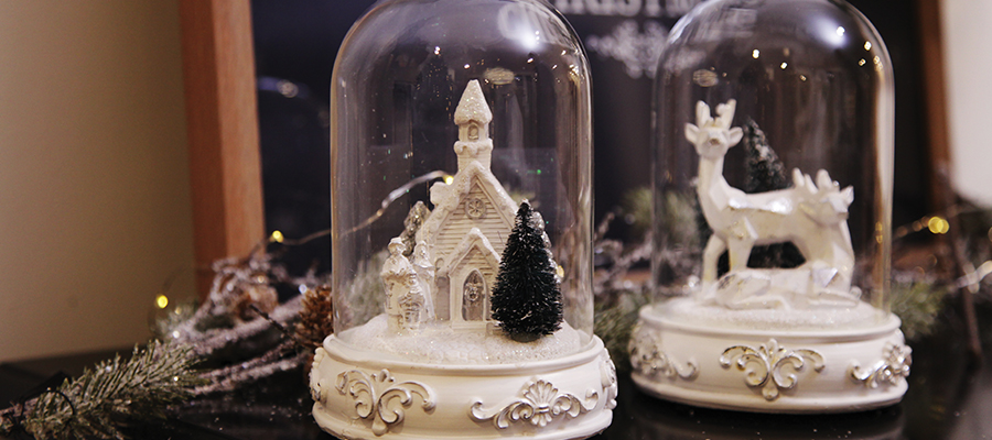 naturally elegant christmas decorative snowglobes